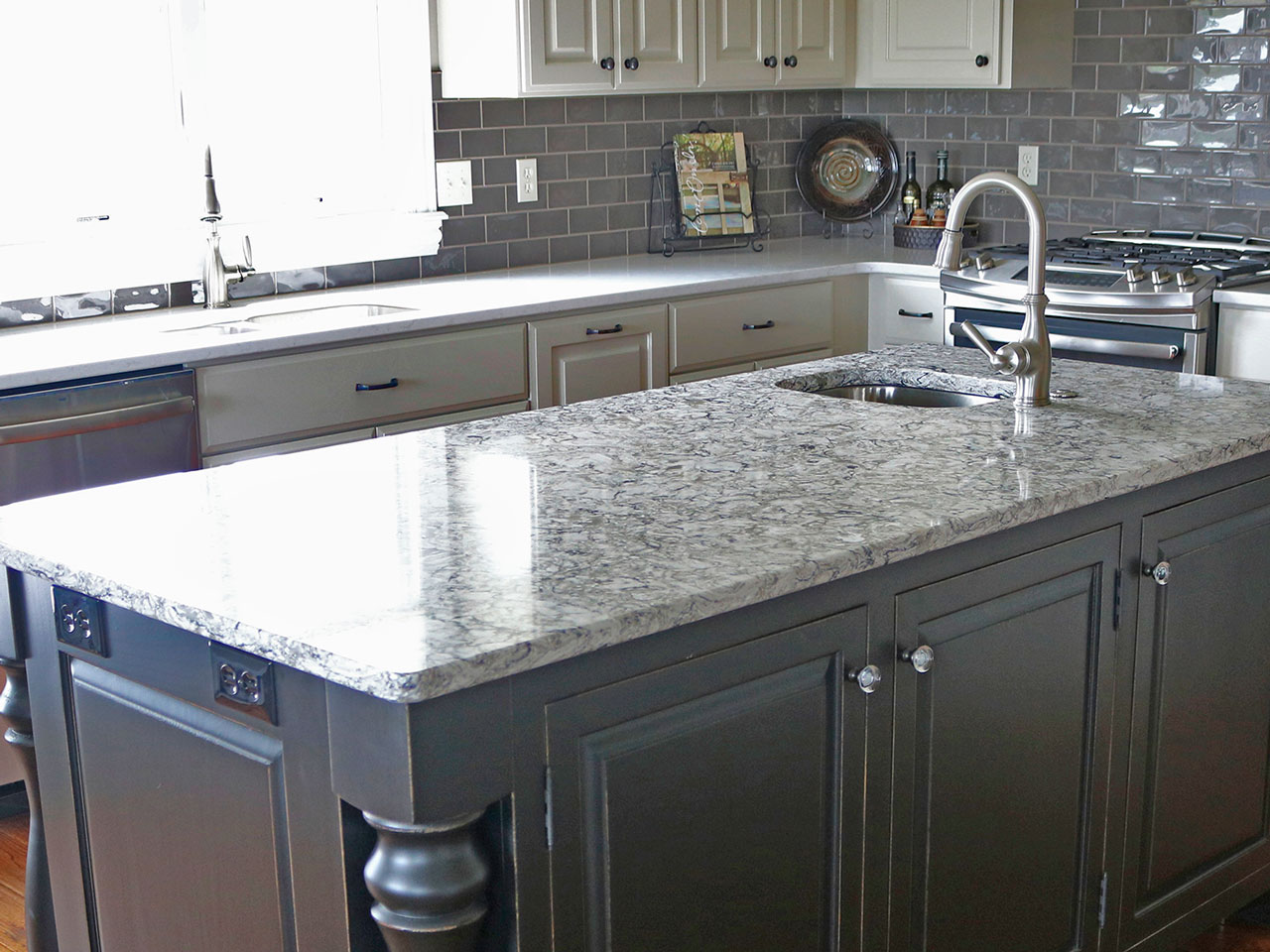 File Construction offers kitchen remodeling in a variety of styles and materials.